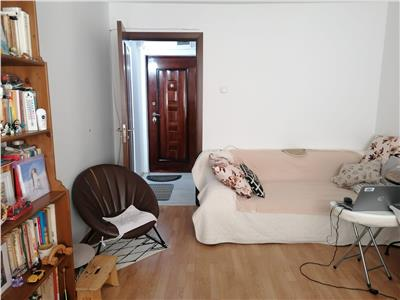Vanzare apartament 4 camere nedecomandat Targoviste Micro 9