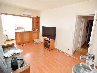 Vanzare apartament 4 camere pantelimon liceul lucian blaga