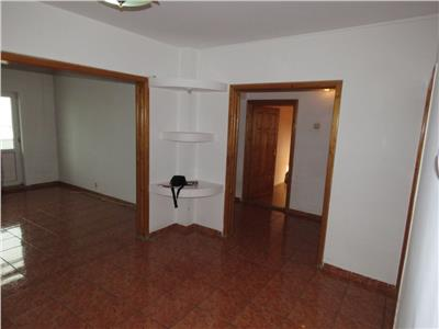 Vanzare apartament 4 camere, ploiesti, zona ultracentrala