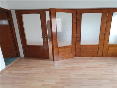 Vanzare apartament 4 camere,renovat , zona Pantelimon -Ritmului