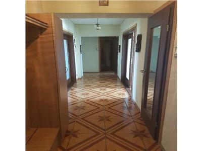 Vanzare apartament 4 camere vis a vis de Catedrala Neamului