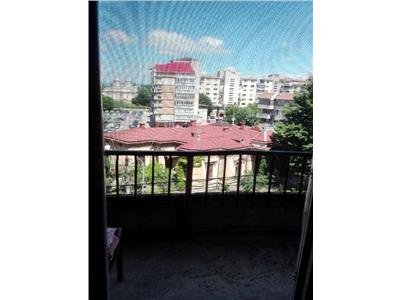 Vanzare apartament 5 camere,central,targoviste