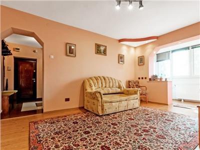 Vanzare apartament 4 cameredrumul taberei plaza romania