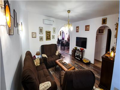 Vanzare apartament  cu 5  camere, armeneasca toamnei