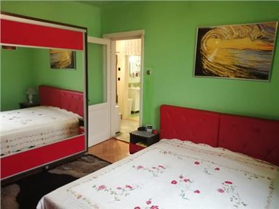 Vanzare apartament cu 2 camere, mobilat si utilat, situat semicentral