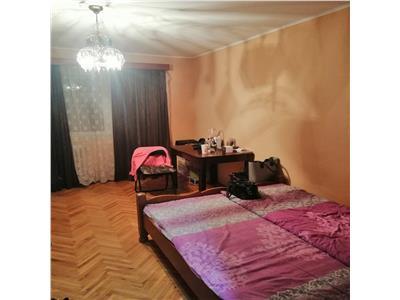 Vanzare apartament cu 2 camere situat in zona poli 2