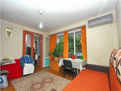 Vanzare apartament cu 3 camere p-ta sudului - nitu vasile