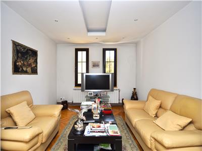 Vanzare apartament cu 4 camere calea victoriei