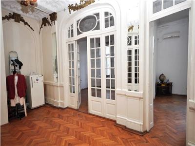 Vanzare apartament deosebit 4 camere Universitate Intercontinental