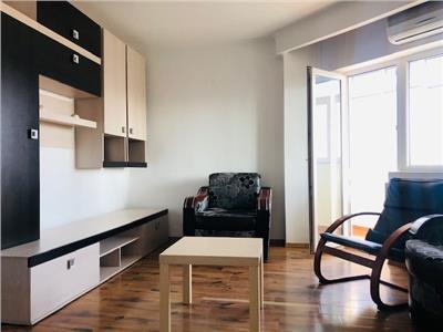 Apartament doua camere, mobilat, utilat, semidecomand, zona malul rosu