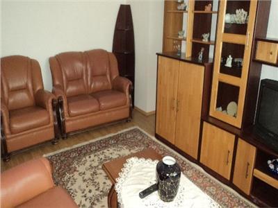 Vanzare-inchiriere apartament doua camere, Targoviste, central