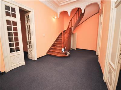 Vanzare apartament duplex 10 camere, 410mp, rosetti armeneasca