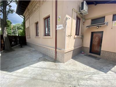 Vanzare casa 4 camere, in Ploiesti, zona ultracentrala