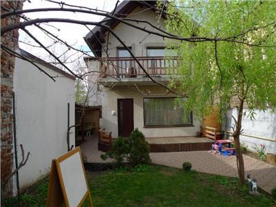 Vanzare casa 5 camere, in Ploiesti, zona Centrala.
