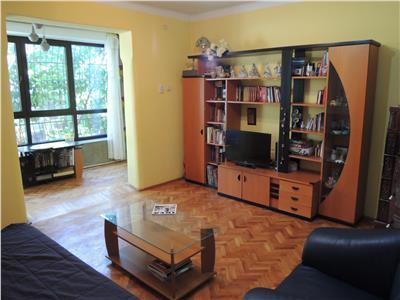Vanzare casa 6 camere, in Ploiesti, Piata Anton