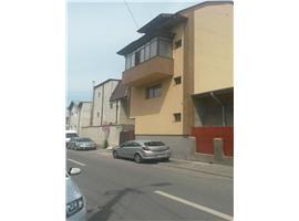 Vanzare casa cu teren 100 mp zona Stefan Cel Mare.