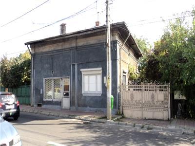 Vanzare casa deosebita in targoviste zona biserica cretzulescu