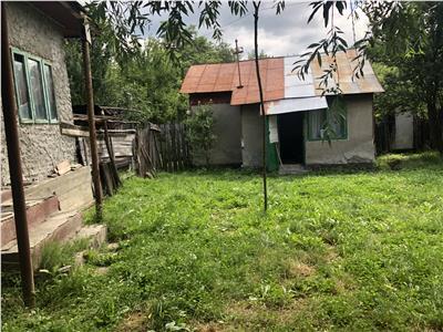 Vanzare teren cu casa intravilan Bordeni