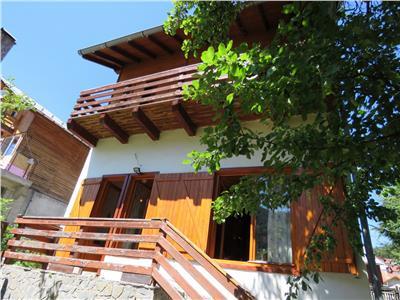 Vanzare vila 6 camere in Azuga, zona centrala
