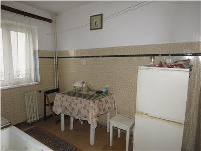 Vanzarea apartament 3 camere, Ploiesti, zona Sud