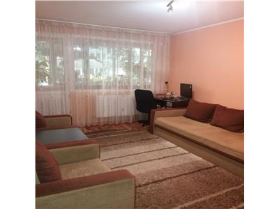 Vanzare apartament 2 camere, bloc tip r, alexandru obregia