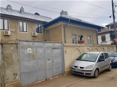 Vila de vanzare zona Calea Calarasi