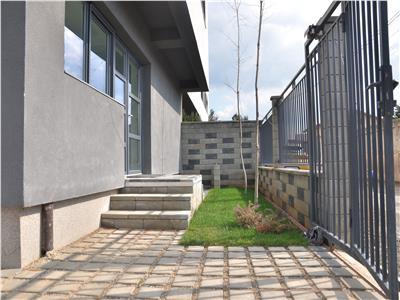 Vila deosebita -4 camere, curte si terasa rooftop -leroy merlin