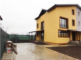 Vila in duplex 5 camere, cu curte de 400 mp de vanzare in magurele