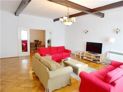 Vila renovata 360 mp, curte libera, parc Kiseleff, metrou Aviatorilor