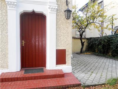 Vila renovata singur curte  AVIATORILOR / TELEVIZIUNE / PRIMAVERII