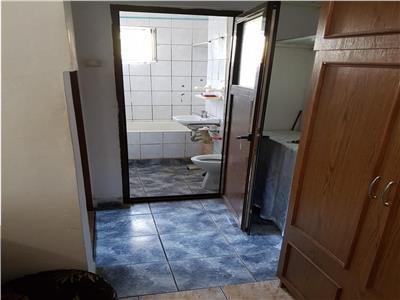 Vindem apartament cu 2 camere , in trivale etaj 2
